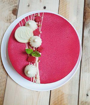 Entremet vanille, rhubarbe et fraises