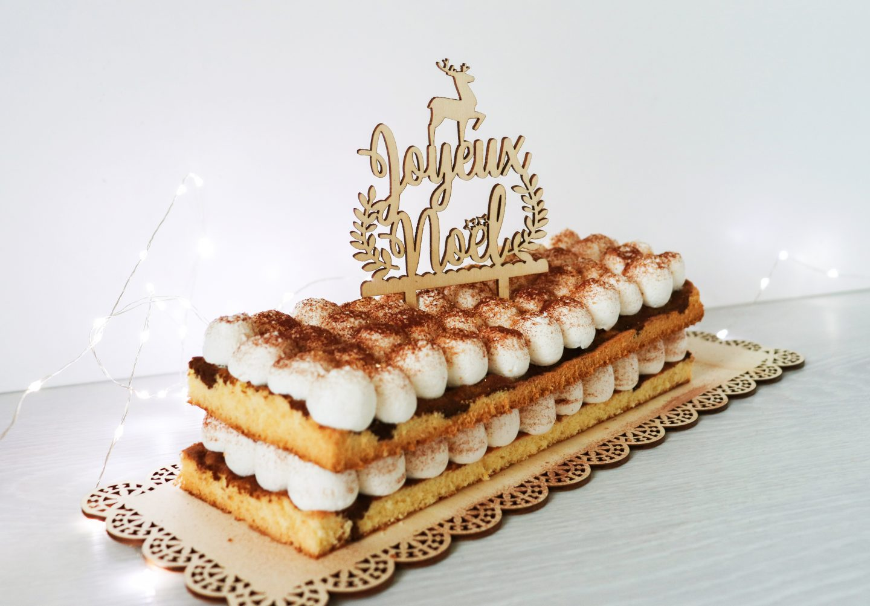 Bûche décor cake topper